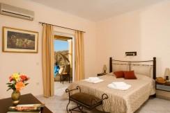 Bedroom_Suite_1-2_