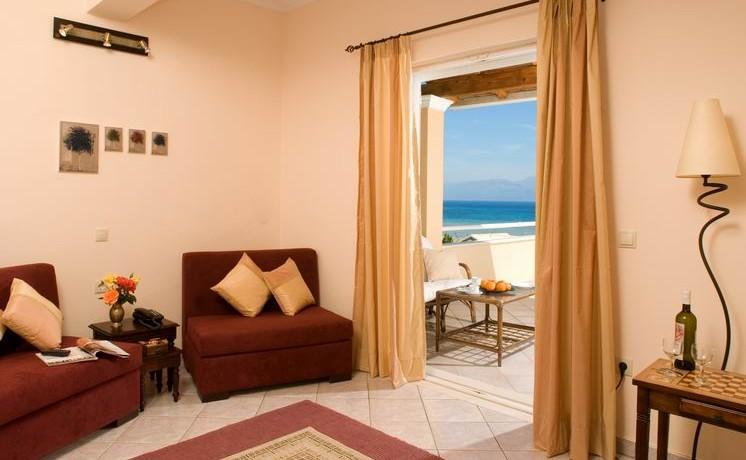 Chrismos_suite_living_room