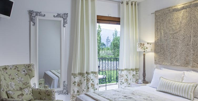 Villa-Daphne-Bedroom-2 (1)