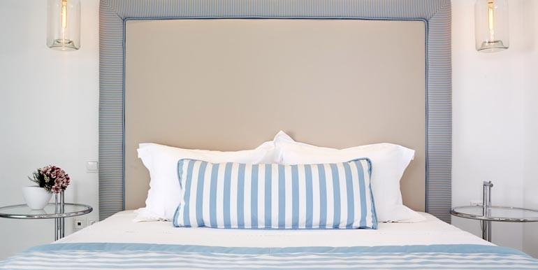 Villa-Olympia-Bedroom